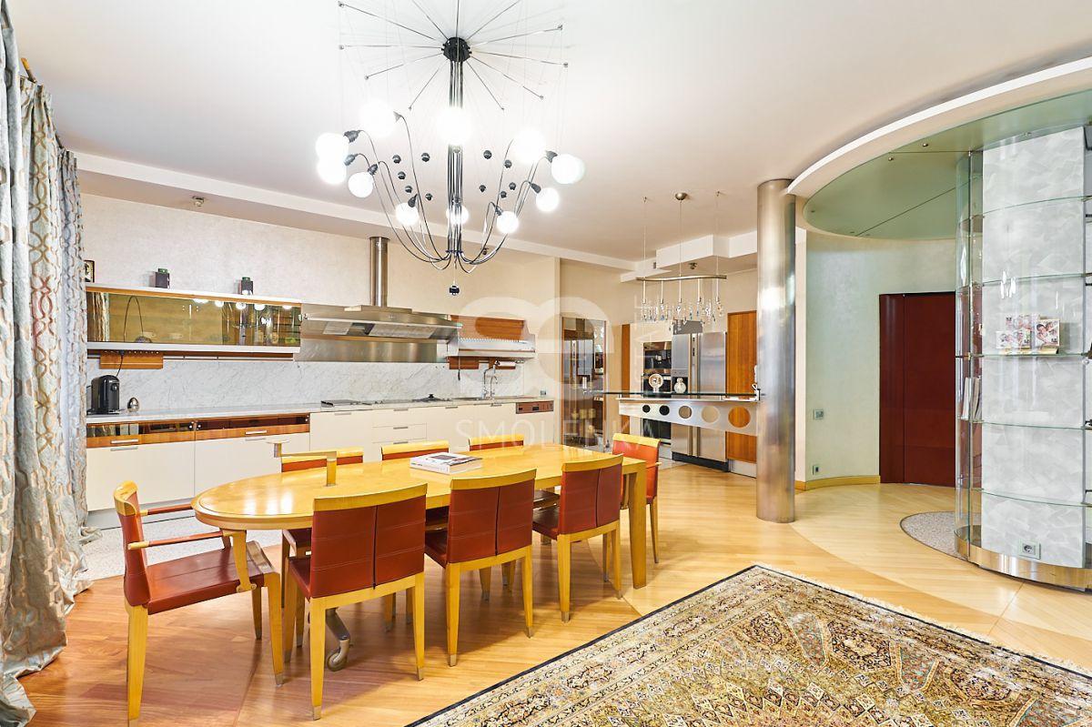 Квартира на продажу по адресу Россия, Москва, Москва, Плющиха ул, 22