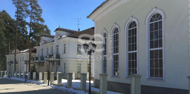 Дом на продажу по адресу Россия, Московская область, Одинцовский р-н, Новодарьино, Рублево-Успенское шоссе